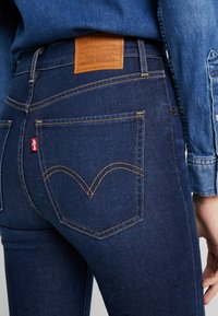 Levi's® - MILE HIGH SUPER SKINNY - Jeans Skinny Fit - on the rise - 4