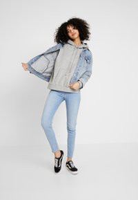 Levi's® - MILE HIGH SUPER SKINNY - Jeansy Skinny Fit - between space and time - 1