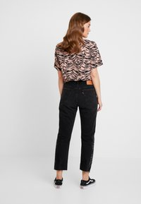 Levi's® - 501® CROP - Jeansy Straight Leg - black canyon - 2