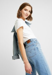 Levi's® - RIBCAGE STRAIGHT ANKLE - Jean droit - tango fade - 3
