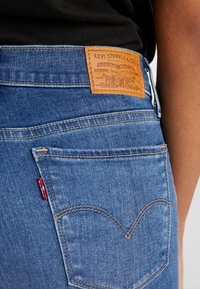 Levi's® - 710 INNOVATION SUPER SKINNY - Vaqueros pitillo - powell face off - 4