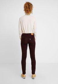 Levi's® - 721 HIGH RISE SKINNY - Skinny džíny - malbec luxe cord - 2