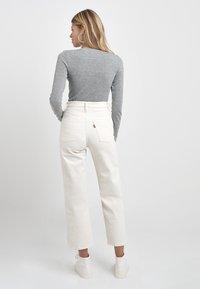 Levi's® - RIBCAGE - Straight leg -farkut - cream/off-white - 3