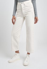 Levi's® - RIBCAGE - Straight leg -farkut - cream/off-white - 0