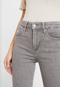 Levi's® - 721 HIGH RISE SKINNY - Jeansy Skinny Fit - set in stone - 5