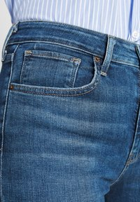 Levi's® - 721 HIGH RISE SKINNY - Jeans Skinny Fit - blue denim - 3