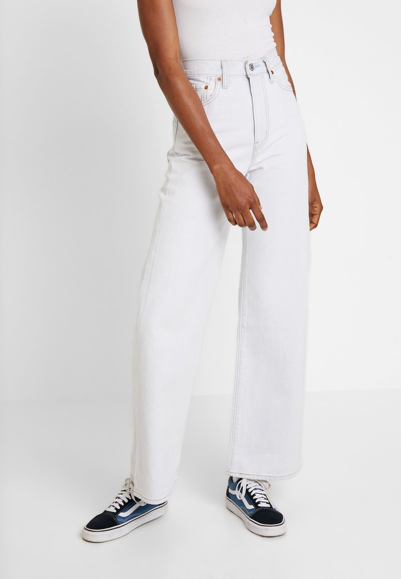 Levi's® - RIBCAGE WIDE LEG - Flared-farkut - cold ice