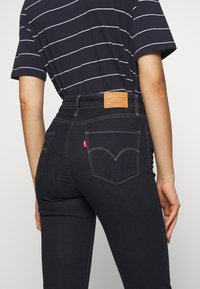 Levi's® - 725 HIGH RISE BOOTCUT - Jean bootcut - dark-blue denim - 5