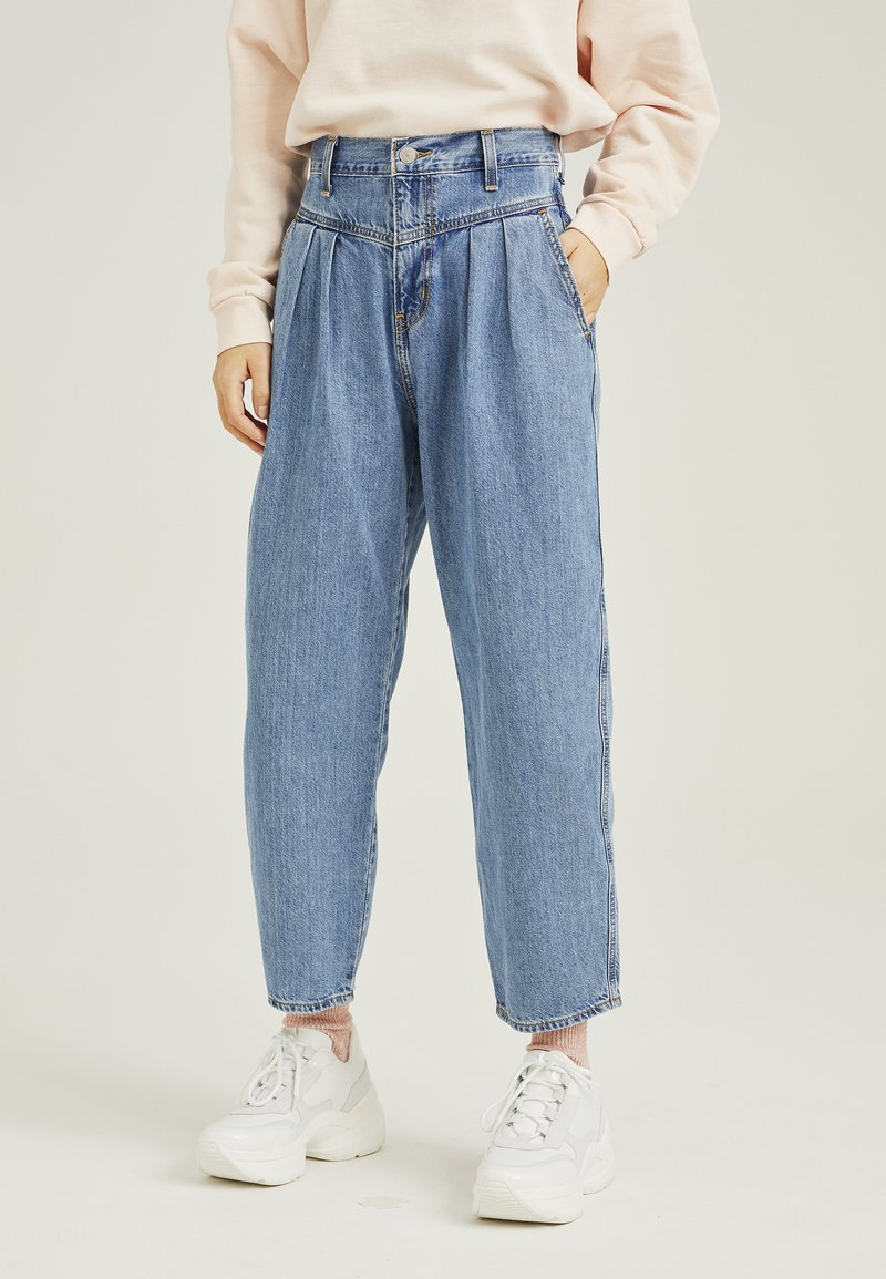 Levi's® - 80'S BALLOON LEG - Jeansy Relaxed Fit - light-blue denim