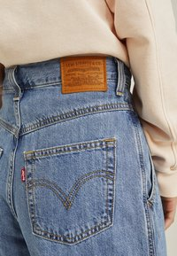 Levi's® - 80'S BALLOON LEG - Jeansy Relaxed Fit - light-blue denim - 6
