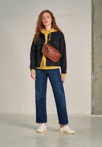 Levi's® - WELLTHREAD RIBCAGE ANKLE - Straight leg jeans - ground swell indigo hemp - 3