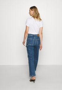 Levi's® - RIBCAGE ANKLE UTILITY - Jeansy Straight Leg - nine to five - 2