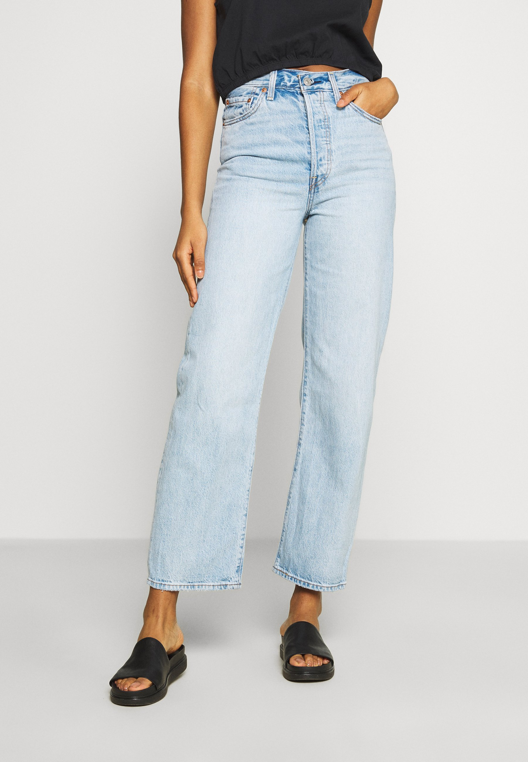 Levi's® RIBCAGE STRAIGHT ANKLE - Jeansy Straight Leg - middle road