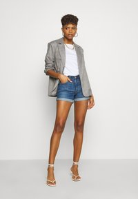 Levi's® - 501® SHORT LONG - Short en jean - sansome drifter - 1