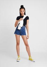 Levi's® - RIBCAGE SHORT - Denim shorts - charleston stroll - 1