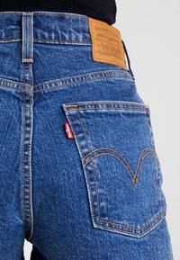 Levi's® - RIBCAGE SHORT - Denim shorts - charleston stroll - 3