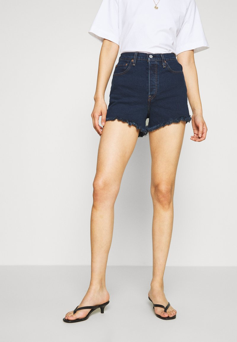Levi's® - RIBCAGE SHORT - Jeansshorts - charleston blue black