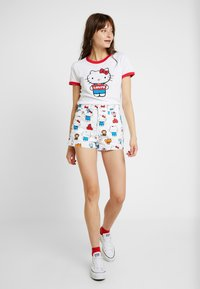 Levi's® - LEVI'S® X HELLO-KITTY RIBCAGE SHORT - Denim shorts - white - 1