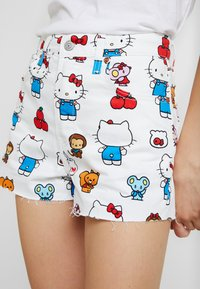 Levi's® - LEVI'S® X HELLO-KITTY RIBCAGE SHORT - Denim shorts - white - 4