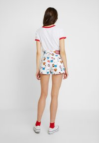 Levi's® - LEVI'S® X HELLO-KITTY RIBCAGE SHORT - Denim shorts - white - 2