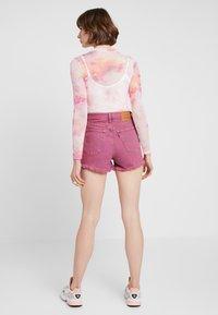 Levi's® - RIBCAGE  - Jeans Short / cowboy shorts - pink - 2