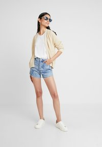 Levi's® - RIBCAGE  - Denim shorts - blue denim - 1
