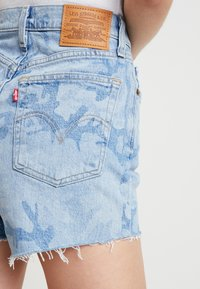 Levi's® - RIBCAGE  - Denim shorts - blue denim