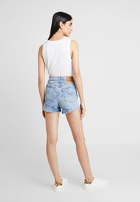 Levi's® - RIBCAGE  - Denim shorts - blue denim - 2