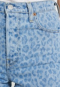Levi's® - RIBCAGE  - Short en jean - leopard - 4