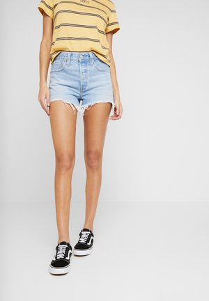 501® ORIGINAL SHORT - Szorty jeansowe - light-blue denim