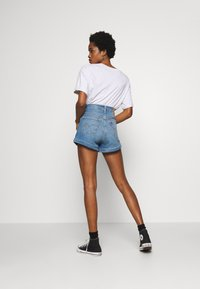 Levi's® - MOM A LINE  - Denim shorts - bandit blue - 2