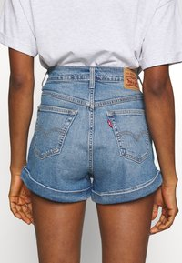 Levi's® - MOM A LINE  - Denim shorts - bandit blue - 3