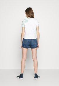 Levi's® - MOM A LINE  - Short en jean - babe brigade - 2