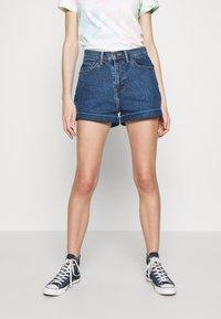 Levi's® - MOM A LINE  - Short en jean - babe brigade - 0