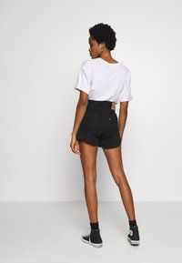 Levi's® - MOM A LINE  - Shorts vaqueros - flash black - 2