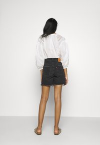 Levi's® - 501® MID THIGH - Jeansshorts - bee's knees - 2