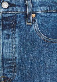 Levi's® - RIBCAGE - Denim shorts - charleston erosion - 2