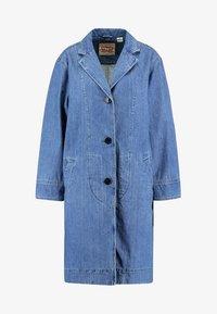 Levi's® - CHARLOTTE COAT - Zimní kabát - medium light stonewash - 4