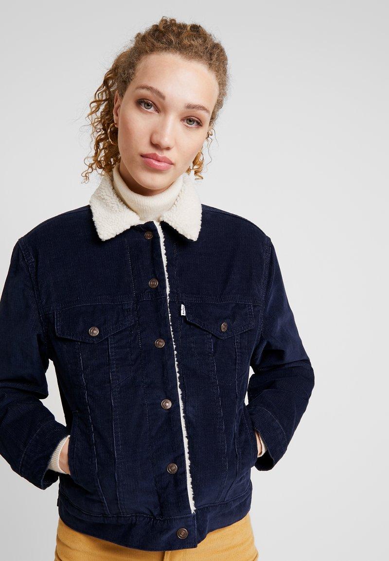 Levi's® - SHERPA TRUCKER - Lehká bunda - vintage navy blazer
