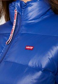 Levi's® - FRANCINE - Bunda zprachového peří - sodalite blue - 4