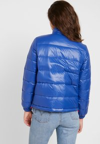 Levi's® - FRANCINE - Bunda zprachového peří - sodalite blue - 2