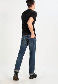 Levi's® - SLIM FIT 2 PACK  - T-shirt - bas - black - 3