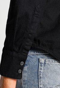 Levi's® - BARSTOW WESTERN - Košile - black - 4
