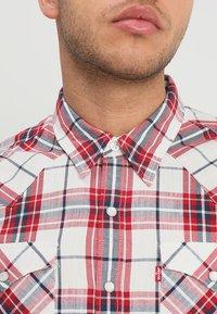 Levi's® - BARSTOW WESTERN - Overhemd - wildcat crimson - 3