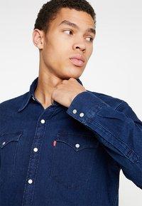 Levi's® - BARSTOW WESTERN - Camisa - indigo - 3