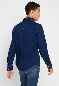 Levi's® - BARSTOW WESTERN - Camisa - indigo - 2