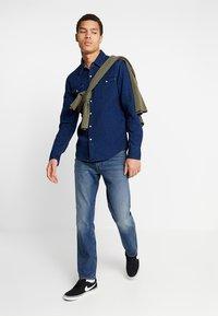 Levi's® - BARSTOW WESTERN - Camisa - indigo - 1
