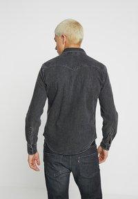 Levi's® - BARSTOW WESTERN - Overhemd - black worn - 2