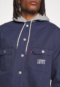 Levi's® - HOODED JACKSON OVERSHIRT - Summer jacket - dress blues - 4