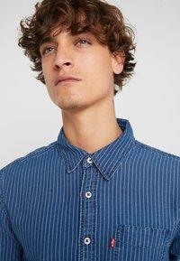 Levi's® - SUNSET SLIM - Skjorta - modern indigo rinse - 4
